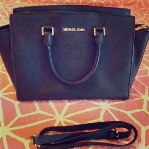 Michael Kors Selma bag in black